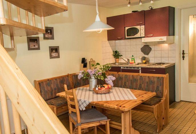 Fewo Schwein auf dem Reiterhof: Wohnraum mit Küche