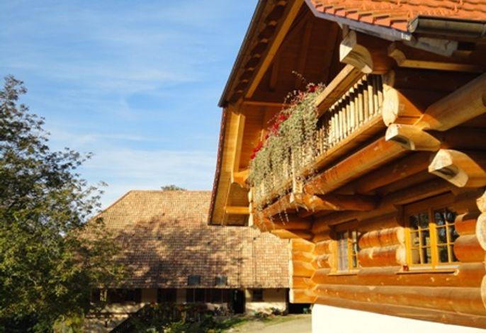 Bauernhof erbaut 1784 und Blockhaus erbaut 2010