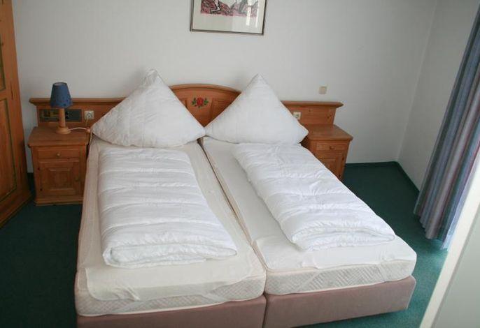 Schlafzimmer 220