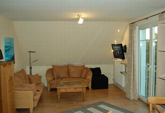 Wohnzimmer mit tollem Ausblick, TV und Stereoanlage