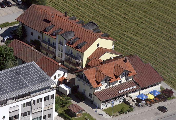 Gasthof Hotel zur Post Erlau aus der Luft