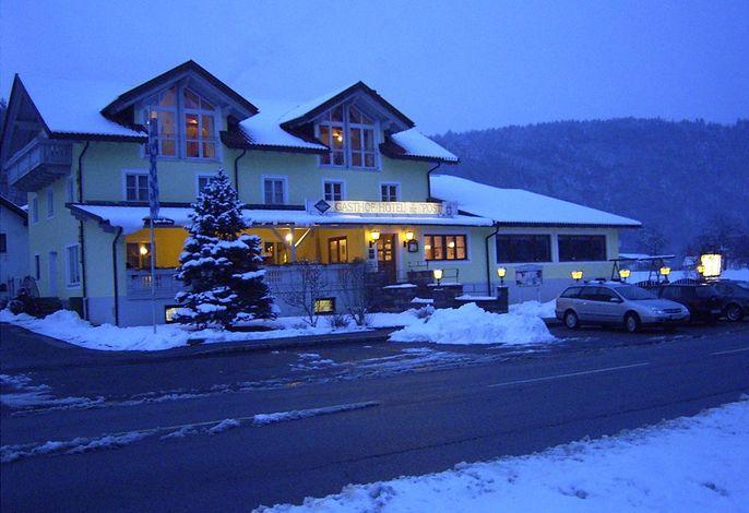 Gasthof Hotel zur Post Erlau im Winter