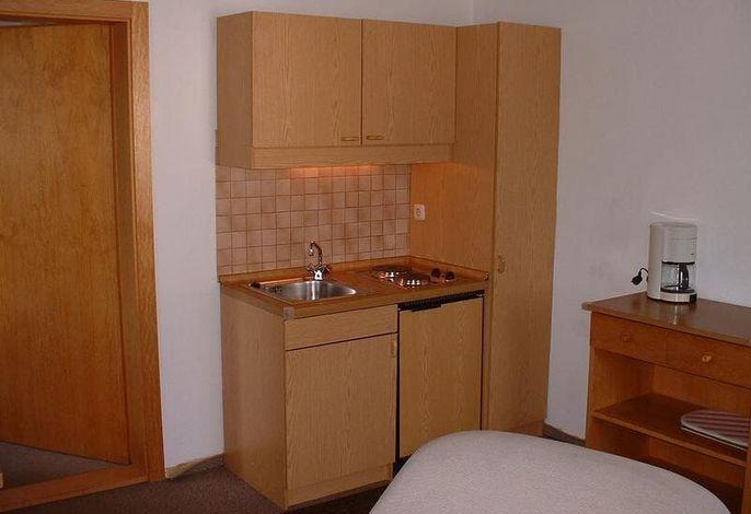 Küchenzeile FeWo 1 u. 3, Appartementhaus Söll'n