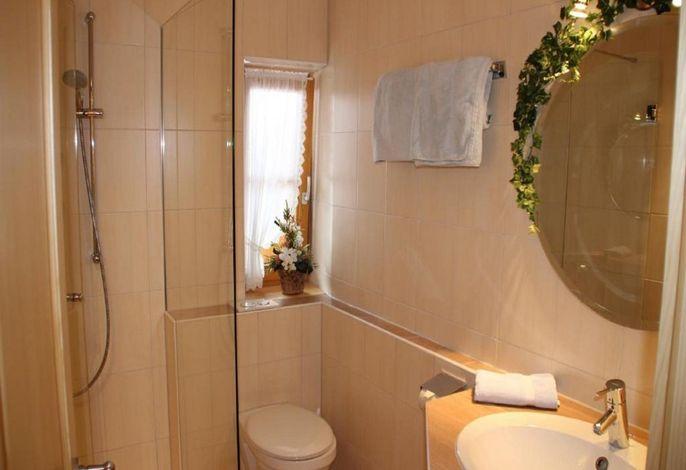 Gartenblick - Badezimmer