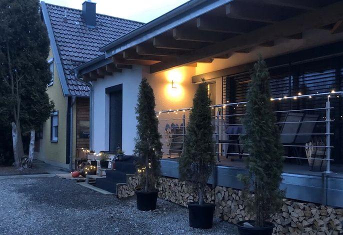 FEWO Hochberg Eingang / Terrasse