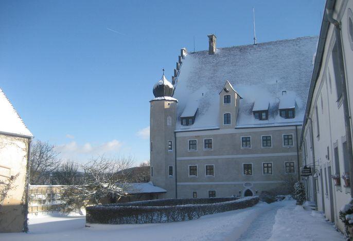 Hotel Schloss Eggersberg, Westfassade