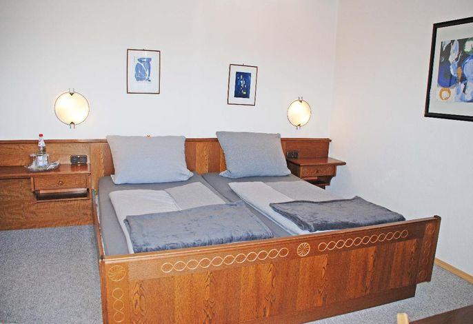 Zimmer 10 Bett