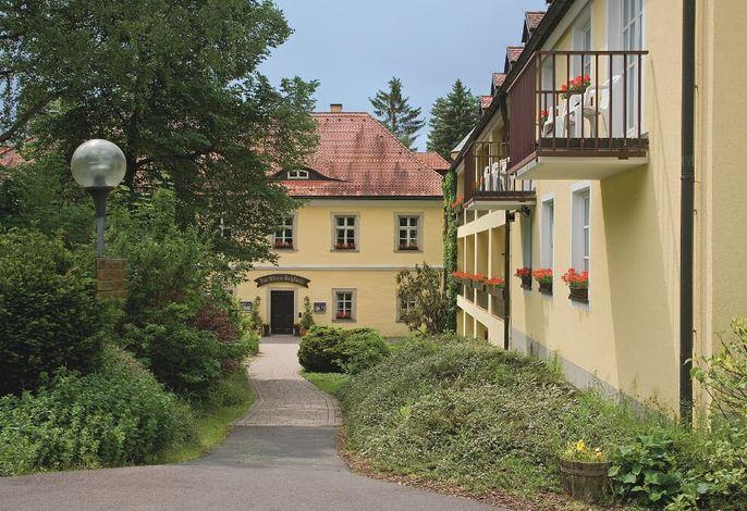 Eingang zum Restaurant / Altes Schloss