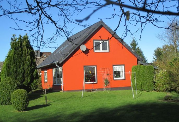 Schöner Blick auf das Ferienhaus vom Garten aus
