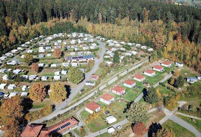 Ferienpark mit 8 Häusern 10 Mobilheimen