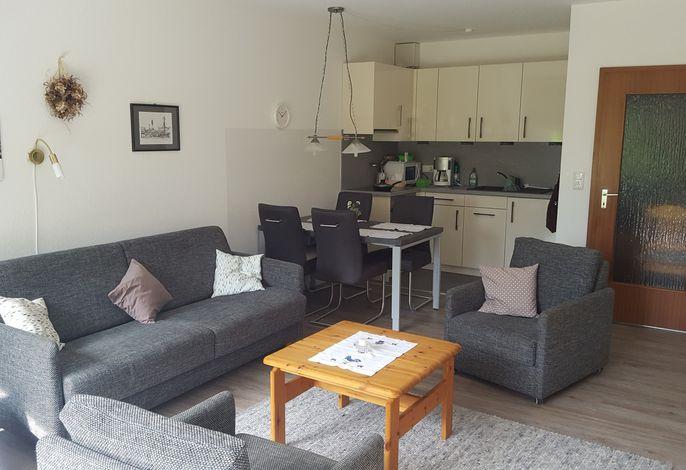 Teilausschnitt Wohnzimmer mit Küche