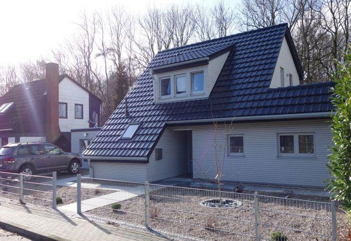 Modernes Ferienhaus mit Kiesgarten