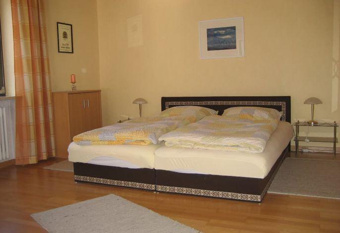 Wohn-Schlafzimmer 2