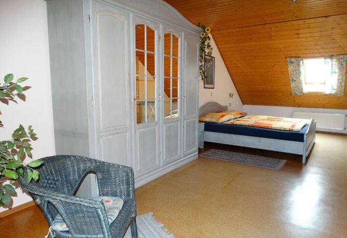 Ferienwohnung Gartenblick - Schlafzimmer