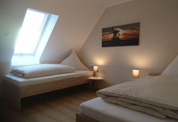 Ferienhaus Anna OG Schlafzimmer