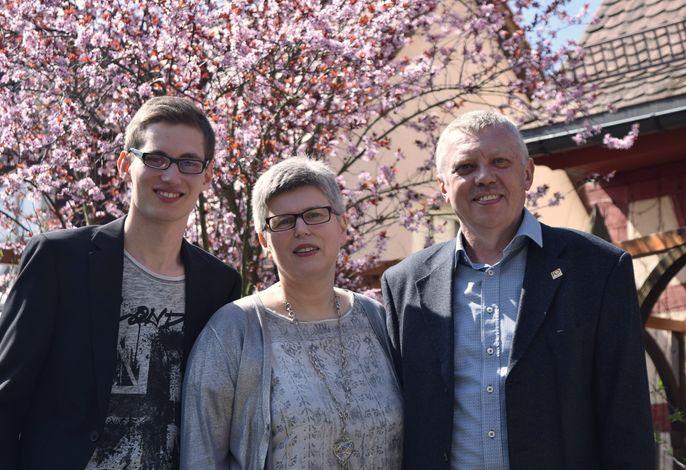 Ihre Gastgeberfamilie: Lukas, Jutta und Ottokar Feulner