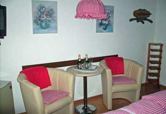 Wohnbereich, Gästehaus Deggelmann, Zimmer 3