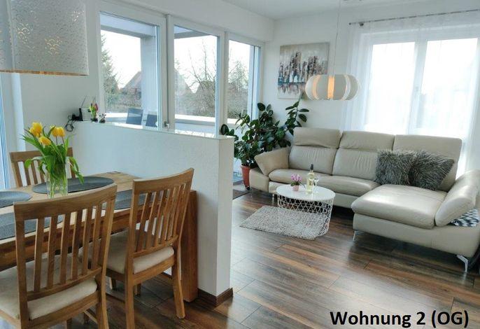 Essplatz mit Wohnzimmer