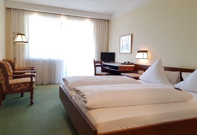 Doppelzimmer mit Dorfblick