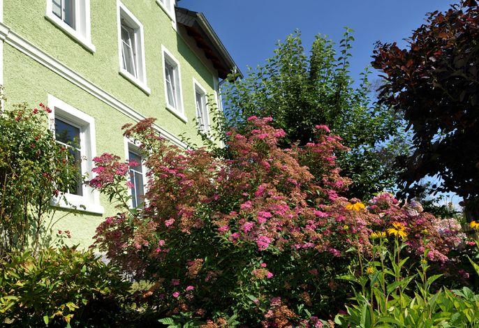 Landhaus Bruckner - Vorgarten