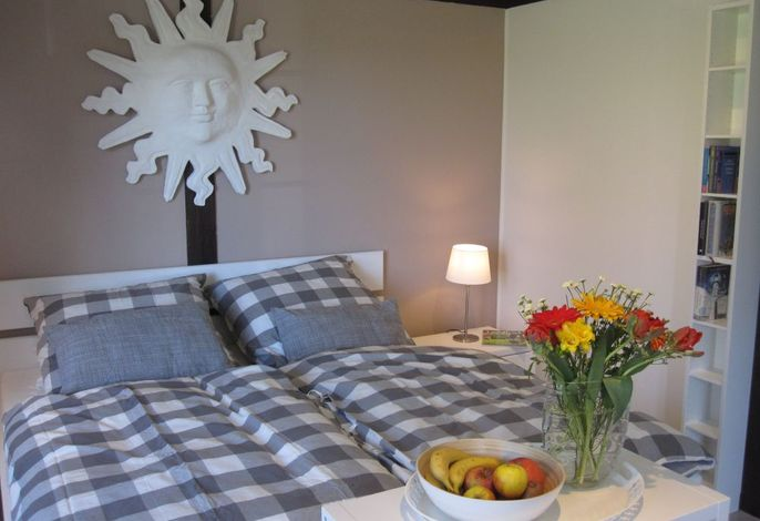 Wohn/Schlafraum mit Doppelbett