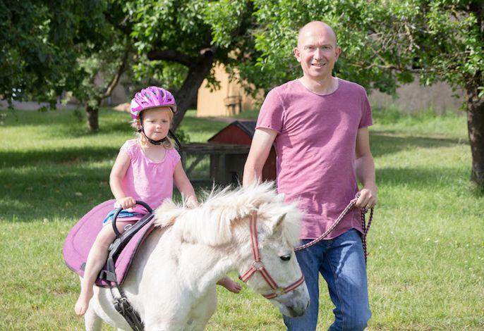 Ponyreiten mit unserer Princess