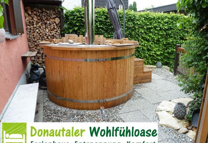 Donautaler Wohlfühloase - Holzbadezuber im Freiem
