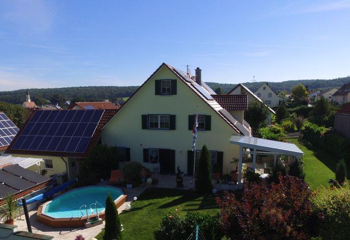 Ferienwohnung Finningen die Wohnung liegt im 1. OG sie ist 102 qm groß.            NICHT RAUCHERHAUS