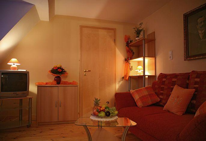 Separates Wohnzimmer - bequemes Sofa