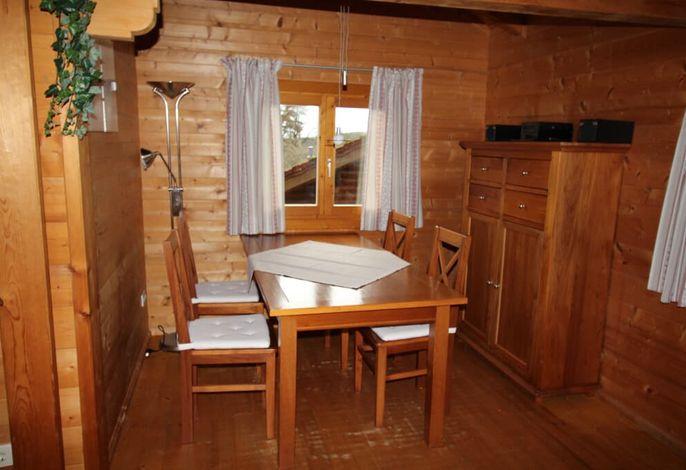 Eßbereich Hütte 24