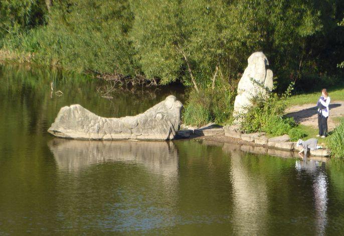 Denkmal: Der Fischer und seine Frau am Froschgrundsee