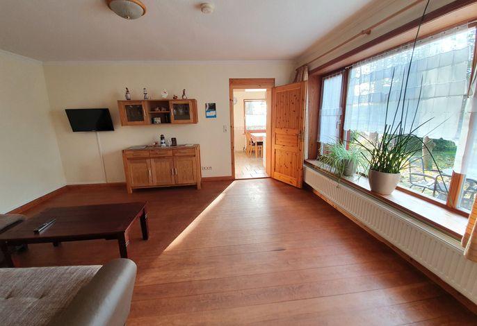 Wohnzuimmer mit Blick zur Küche