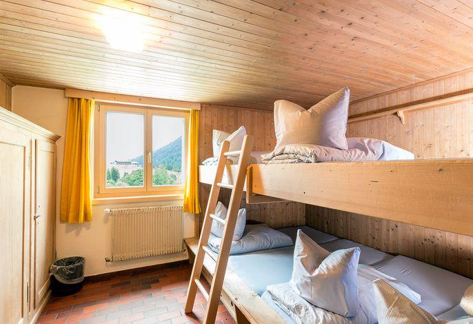 Lagerzimmer mit 6 Betten
