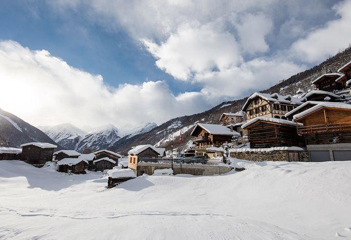 Hotel Nest- und Bietschhorn im Winter