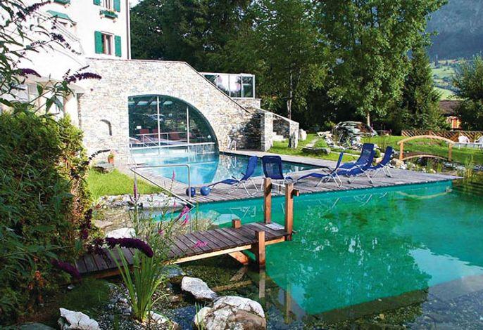 Hotel Cresta Gartenansicht