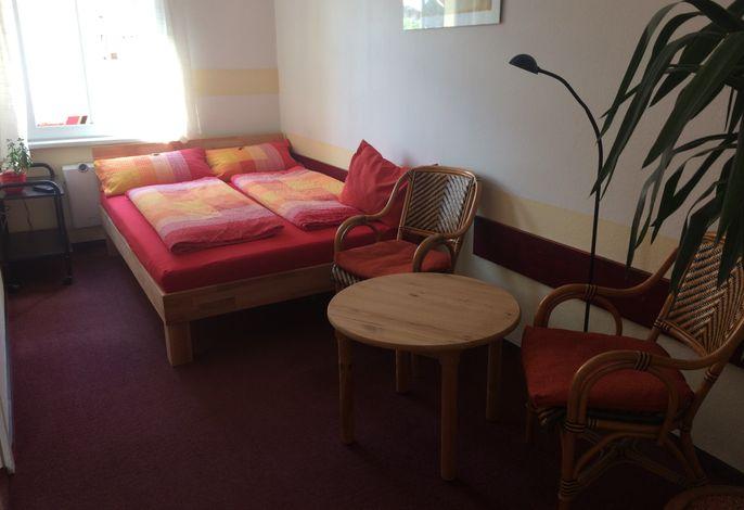 Einbettzimmer rot