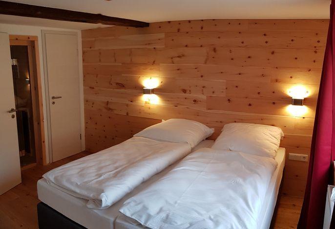 Schlafzimmer 1 - Die Betten können auf Wunsch auseinander gestellt werden.
