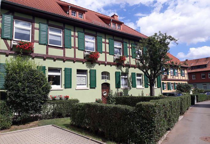 Ferienwohnung zur Rosenkönigin - Außenansicht Gebäude