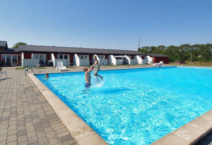 Ferienwohnung in einem Ferienresort, 95-4771, Aakirkeby
