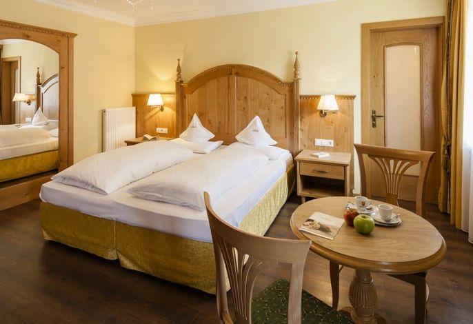 Herzlich willkommen im Hotel Oswald in Wolkenstein/Gröden - Südtirol! …ein exklusives Ambiente aus Eleganz, Tradition und Moderne! Herzlich willkommen im 4-Sterne-Hotel Oswald in Wolkenstein/Gröden, das bekannteste Urlaubsziel