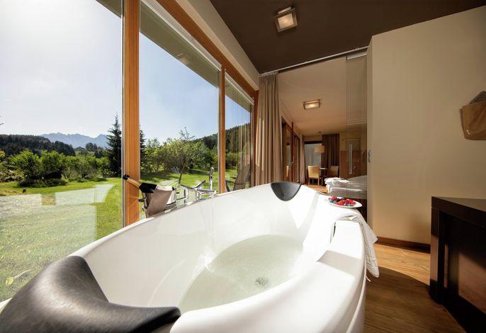 Ein besonderes Naturhotel in alpiner Höhe mit einmaligem Panoramarundblick... eine faszinierende Mischung aus modernem Zeitgeist, entspannenden Momenten, kulinarischen Gaumenfreuden und vielen kleinen Herzlichkeiten...