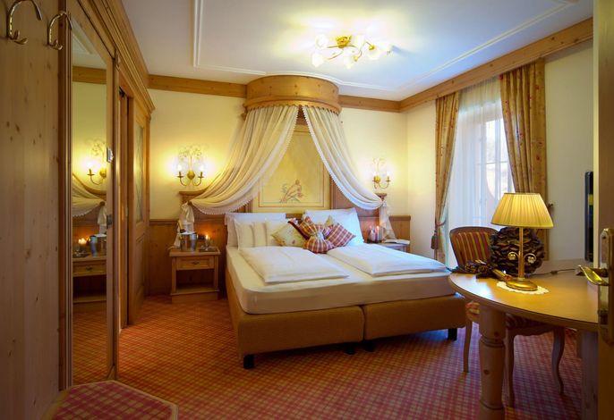 Harmonisch, alpin, charmant…###br###Willkommen im Mountain Spa Hotel Albion ****s in St. Ulrich. In den Südtiroler Dolomiten, den berühmtesten und schönsten Bergen der Welt, kann Ihr Urlaub beginnen.