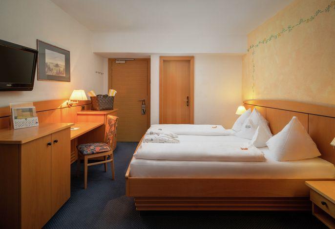 Im Hotel Valserhof**** aktiv sein und unbeschwerte Tage verbringen. Die Ski- & Almenregion Gitschberg Jochtal, unweit von Mühlbach, ist im Sommer Ausgangspunkt für lohnende Wanderungen und im Winter beliebtes Skigebiet.