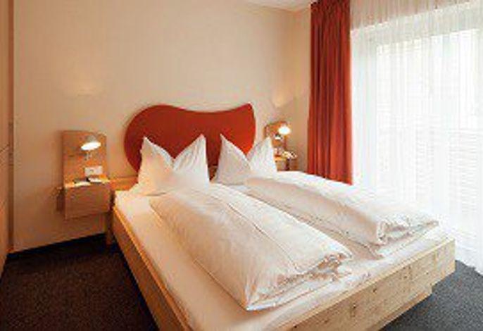 Unverwechselbarer Urlaub für Aktive & Genießer.###br######br######br######br###Wohlfühlen. Wandern. Wellness.###br######br######br######br###Das Hotel Hilburger in Schenna bietet die perfekte Mischung.