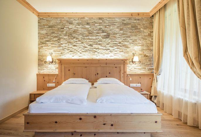 NEU am Kronplatz! DAS neue Wellnesshotel in Reischach!###br######br###Mit 25 Meter Pool, 8 Ruheräumen, 6 Saunen und traumhaften Suiten und ein ausgezeichnetes Restaurant (Haubenrestaurant Gault Millau) erwarten Sie im neuen HOTEL PETRUS!