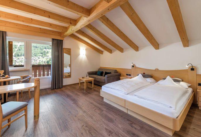 Willkommen im AlpenHotel Rainell.###br###Die schönsten Tage im Jahr, von Ihnen erlebt, von uns betreut.