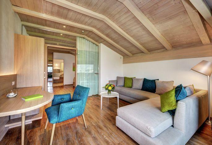 Gönnen Sie sich Erholung und Komfort in herzlicher und blühender Atmosphäre. Unser Haus liegt eingebettet in ausgedehnte Obstgärten in unmittelbarer Nähe von Meran (1 km!).
