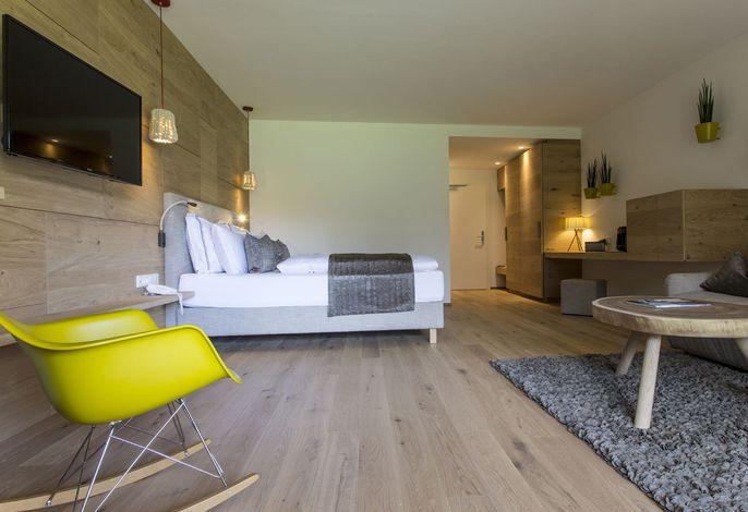 Das ****s Wellbeing-Hotel Monika liegt im Naturpark der weltberühmten Drei Zinnen in Mitten des UNESCO Naturerbe der Sextener Dolomiten und ist Ihr ideales Urlaubziel im Hochpustertal - Südtirol