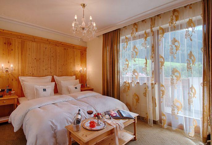 Wellness und Wohnkultur auf höchstem Niveau in einer der schönsten Gegenden der Alpen.###br######br######br###Eleganz trifft Entspannung deluxe & Gourmetkulinarik