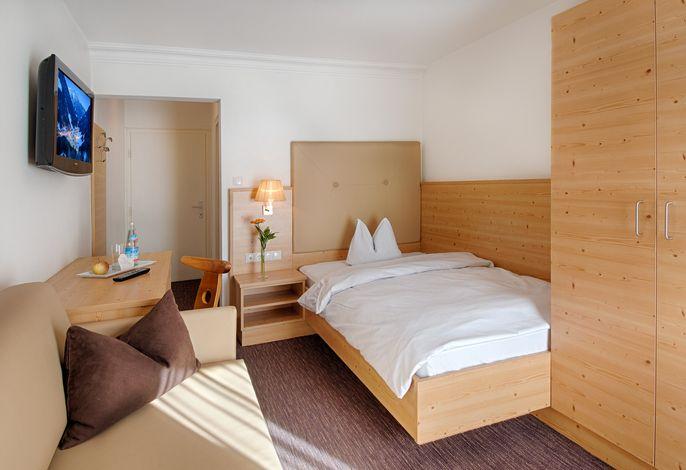Herzlich Willkommen im Posthotel im Ahrntal - Ihrem ***Hotel im Luttach mit dem raffiniert gemütlichen Charme!